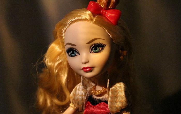 Базовая Кукла Эппл Вайт.