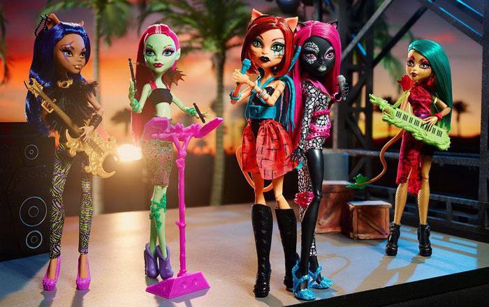 Пять кукол Монстер Хай из серии Пугающие рокеры.