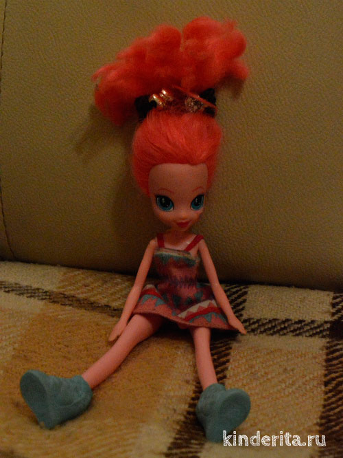 Красивая кукла.